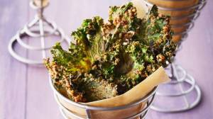 Cheesy-kale-chips-300x168